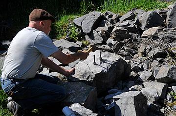 Splitting rocks with Plug & Feathers